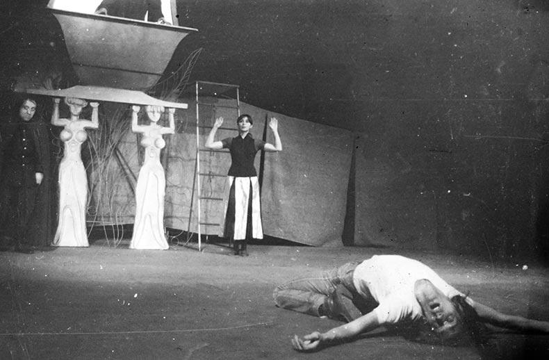 LABIRINTUL, 1980 - mihai maniutiu